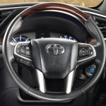 new-2016-toyota-innova-crysta-india-pictures-photos-images-snaps-014