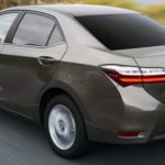 2017-new-toyota-corolla-facelift-india-rear-three-quarter-pictures-photos-images-snaps