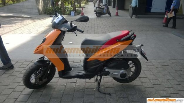 aprilia-sr-150-scooter-side-spied-india-pictures-photos-images-snaps