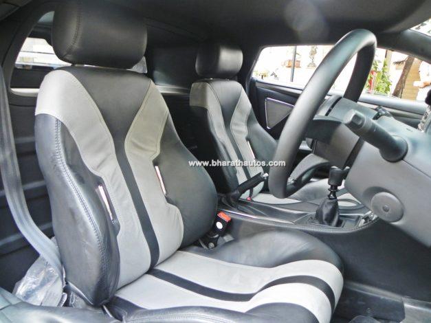 dc-avanti-shiny-glossy-black-cabin-interior-cockpit