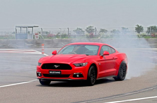ford-mustang-gt-india-front-pictures-images-photos-snaps-video