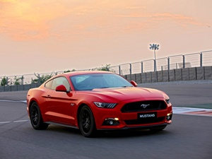 Ford Mustang Gt India Launched Details Pictures Price