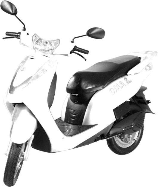 lohia-oma-star-white-electric-scooter-pictures-photos-images-snaps-video