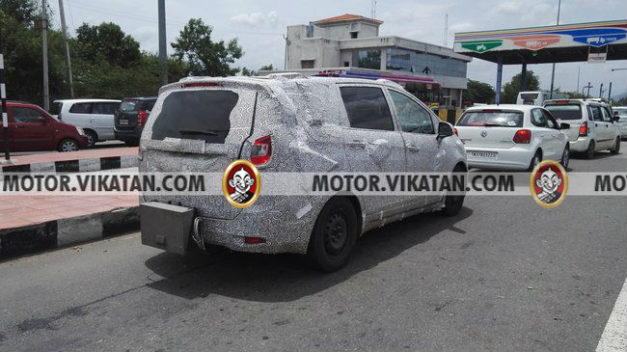 mahindra-tuv500-mpv-codename-u321-innova-rear-back-pictures-photos-images-snaps
