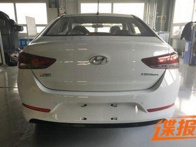 next-gen-2017-hyundai-verna-facelift-rear-back-pictures-photos-images-snaps