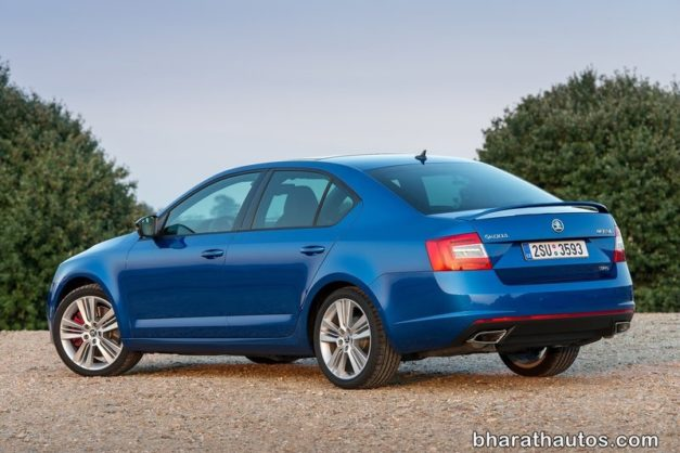 skoda-octavia-vrs-rear-back-shape-india-pictures-photos-images-snaps-video