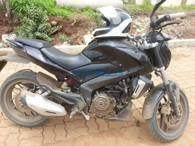 bajaj-pulsar-cs400-side-india-spied-pictures-photos-images-snaps-video