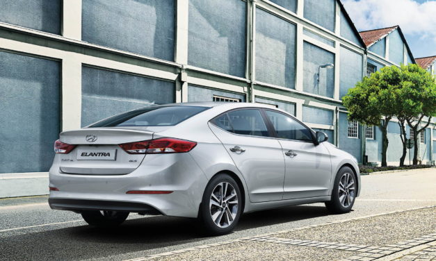 new-2017-hyundai-elantra-india-rear-back-pictures-photos-images-snaps