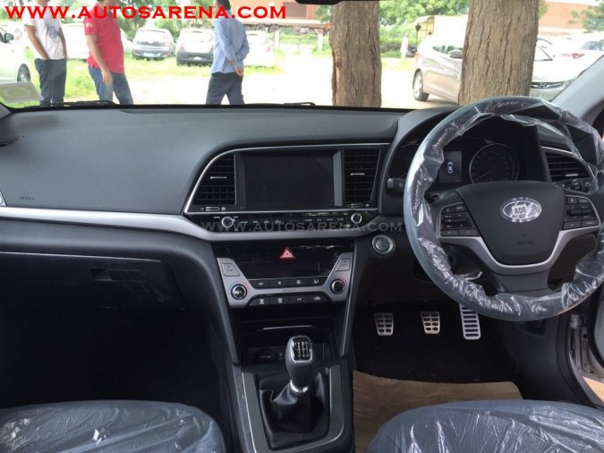 New Sixth Gen 2017 Hyundai Elantra Interior Dashboard Cabin Inside India Pictures Photos Images Snaps