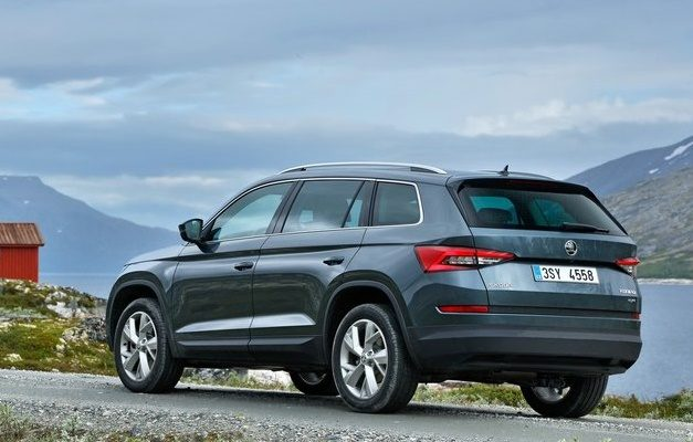 skoda-kodiaq-suv-india-rear-pictures-photos-images-snaps