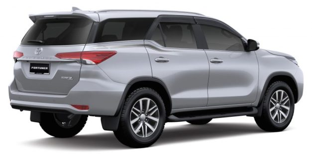 all-new-2016-toyota-fortuner-back-rear-pictures-photos-images-snaps