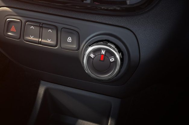 renault-kwid-1-0l-amt-circular-rotating-gearbox-pictures-photos-images-snaps