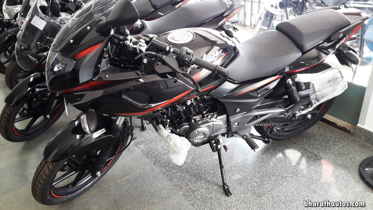 2017 Bajaj Pulsar 220f Bs Iv Graphics Pictures Photos Images Snaps Video