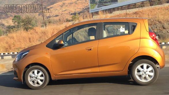 2017-chevrolet-beat-india-side-shape-pictures-photos-images-snaps-video