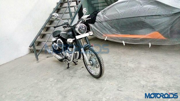 modified-royal-enfield-500-dc-design-body-kit-rear-back-pictures-photos-images-snaps-video
