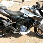 new-2017-bajaj-pulsar-200ns-dual-tone-paint-colour-pictures-photos-images-snaps-video