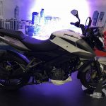 new-2017-bajaj-pulsar-200ns-fi-side-pictures-photos-images-snaps-video
