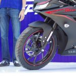 new-2017-yamaha-yzf-r15-v3-front-forks-india-pictures-photos-images-snaps-video