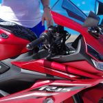 new-2017-yamaha-yzf-r15-v3-orvm-rear-view-mirror-india-pictures-photos-images-snaps-video