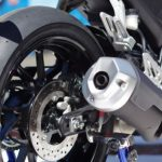 new-2017-yamaha-yzf-r15-v3-rear-disc-brake-india-pictures-photos-images-snaps-video