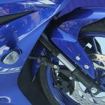 new-2017-yamaha-yzf-r15-v3-usd-upside-dwon-front-forks-india-pictures-photos-images-snaps-video