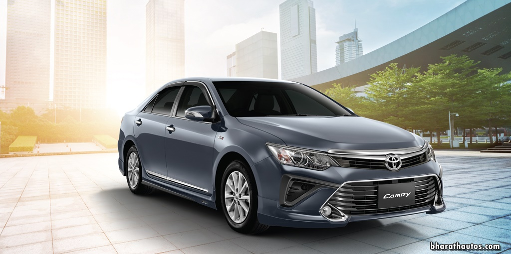 2017 toyota camry hybrid and prius launched in india. Black Bedroom Furniture Sets. Home Design Ideas