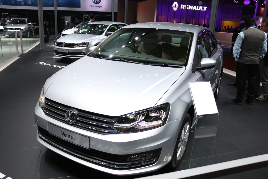 2017 volkswagen vento with led headlamps now in india rs. Black Bedroom Furniture Sets. Home Design Ideas