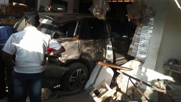 tata-hexa-accident-crash-rear-back-pictures-photos-images-snaps