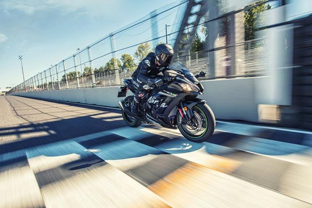 2017-kawasaki-ninja-zx-10rr-new-model-race-dynamics-india-pictures-photos-images-snaps