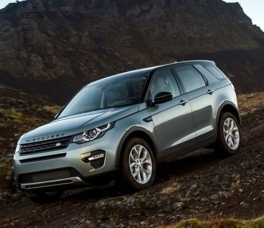 2017-land-rover-discovery-sport-20-ingenium-litre-diesel-engine