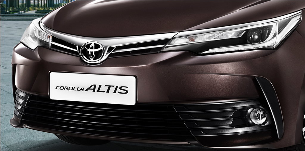 2017 Toyota Corolla Altis Facelift Grille Headlights India Pictures Photos Images Snaps Gallery