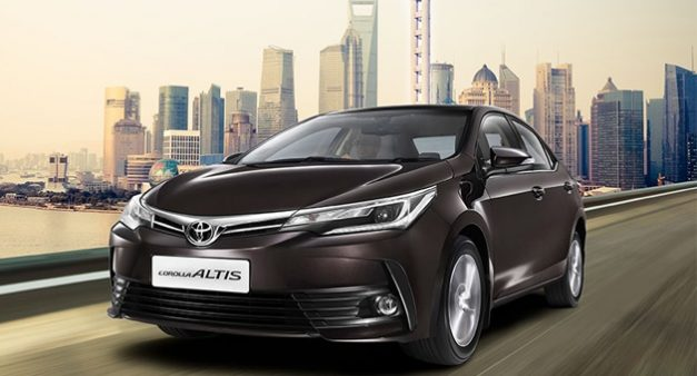 2017-toyota-corolla-altis-facelift-phantom-brown-india-launched-details-pictures-price