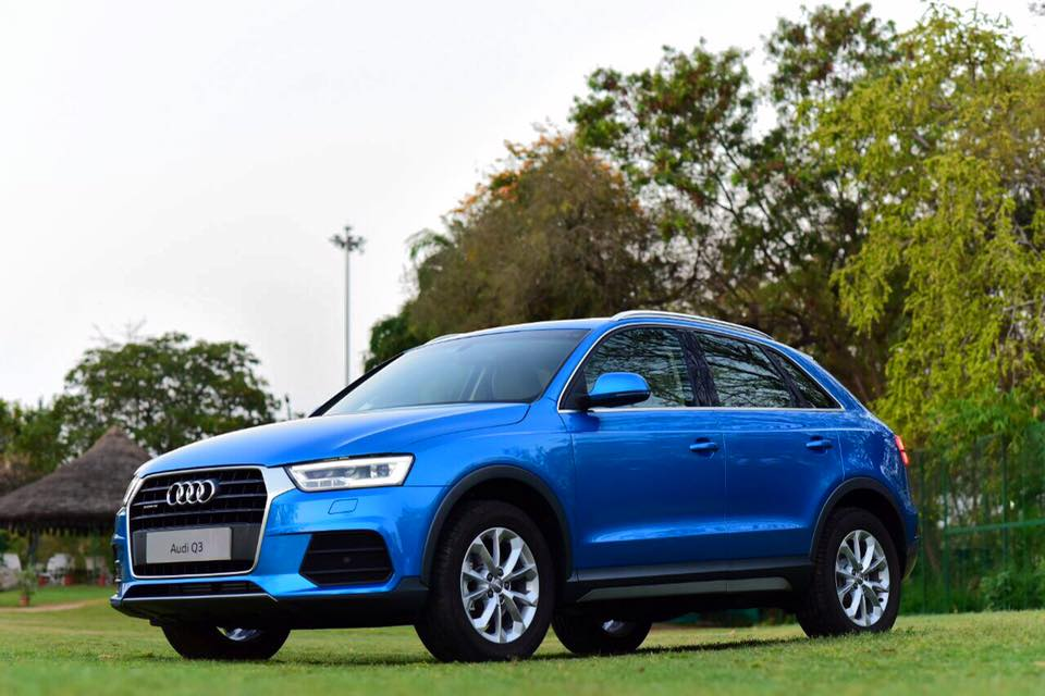 audi q3 1 4 tfsi petrol version launched in india rs. Black Bedroom Furniture Sets. Home Design Ideas