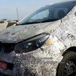 spyshots-pics-mahindra-u321-mpv-innova-hexa-rival-launch