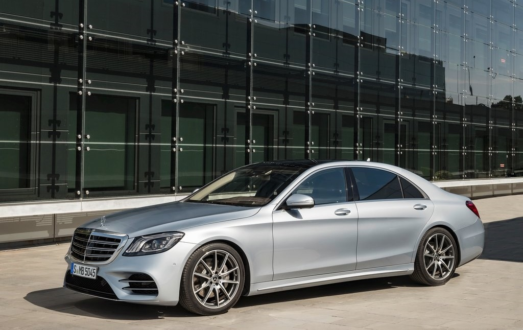 facelifted 2018 mercedes benz s class maybach and amg revealed. Black Bedroom Furniture Sets. Home Design Ideas