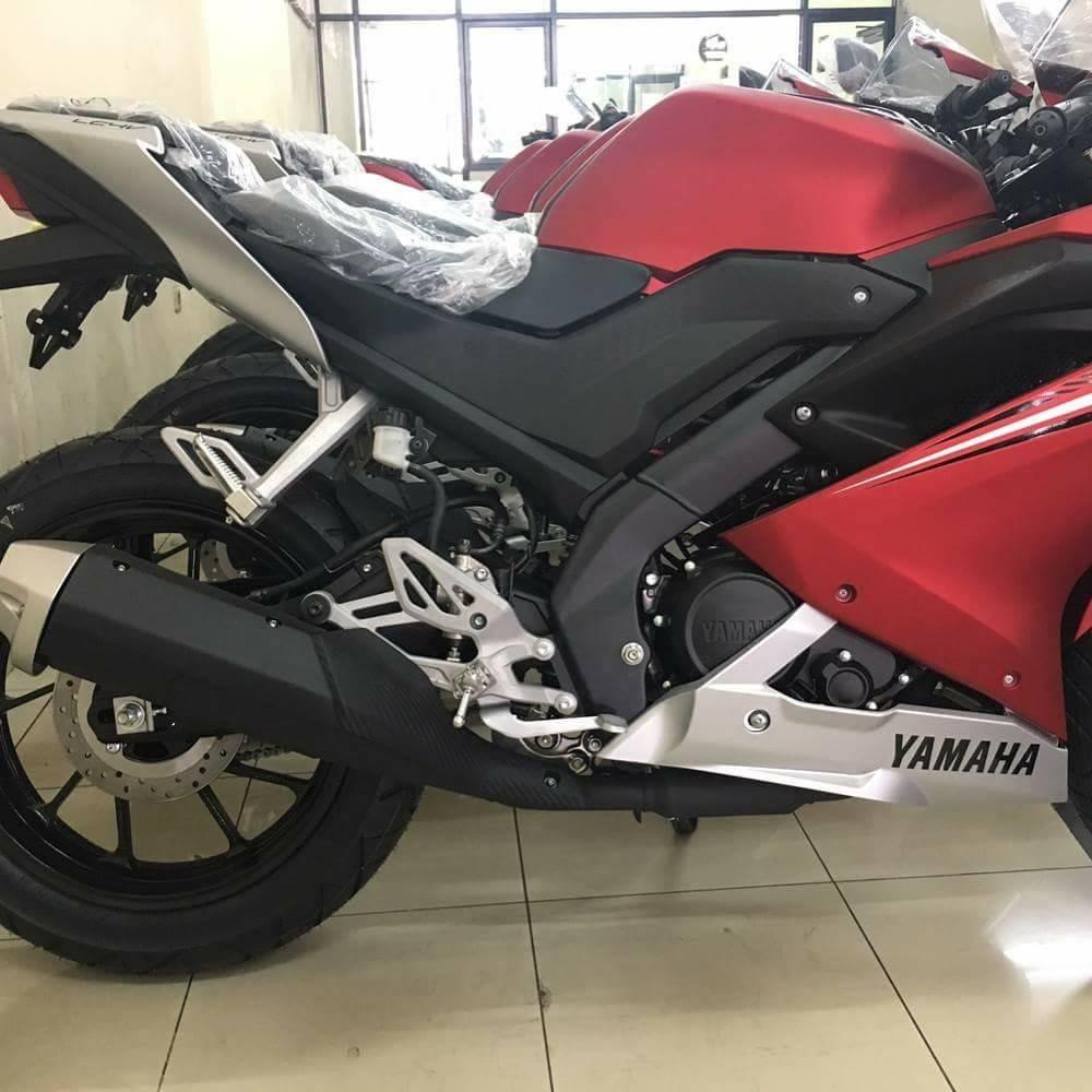 new-2017-yamaha-r15-v3-155-vva-india-new-fairing-exhaust