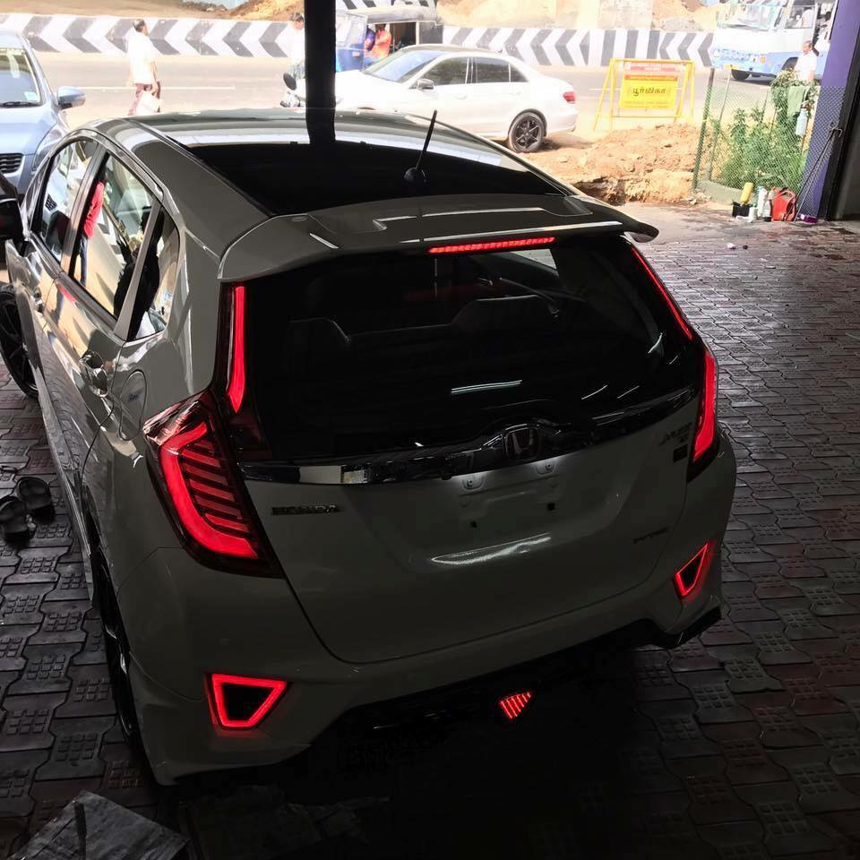 Customized Honda Jazz shows-off its full LED headlamps