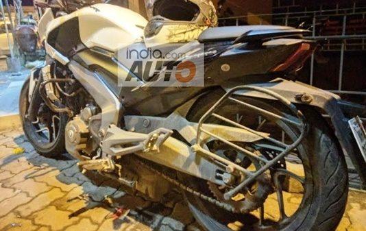 bajaj-dominar-400-quality-issue-suspension-alloys-breakage