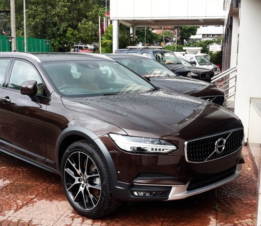 volvo-v90-cross-country-d5-awd-diesel-india-launch-price
