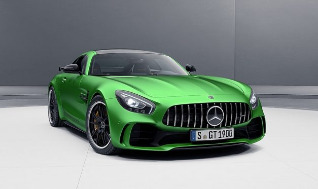 2017-mercedes-amg-gt-r-three-quarter-pictures-photos-images-snaps-gallery
