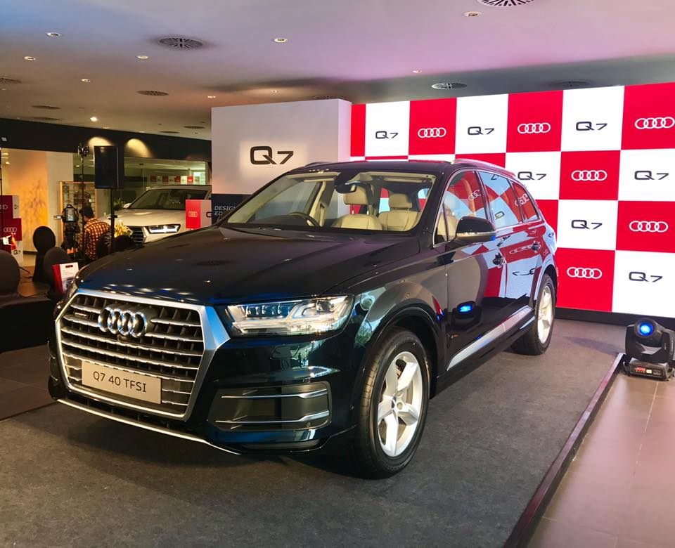 Audi Q7 2 0 Tfsi Petrol Version Launched In India Rs