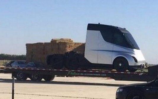 all-new-tesla-electric-semi-truck-prototype-elon-musk