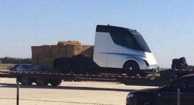 tesla-electric-semi-truck-spied-testing-elon-musk