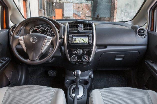 2017-nissan-versa-note-dashboard-cabin-interior-inside