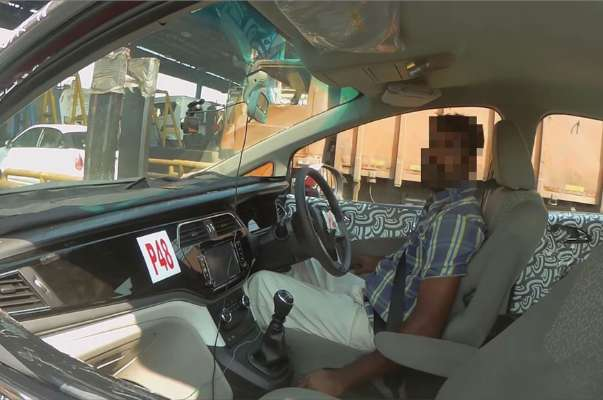 mahindra-u321-mpv-cabin-interior-details-revealed