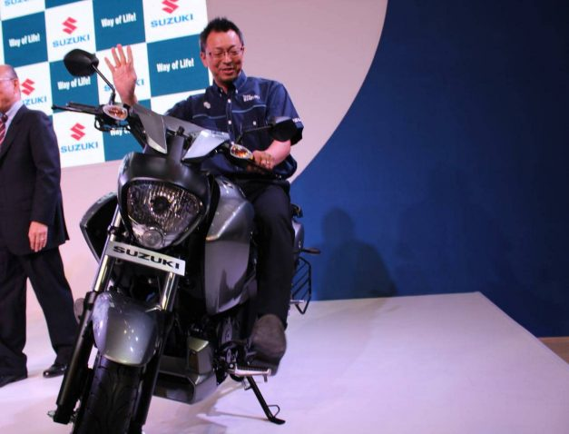 suzuki-intruder-150-fi-fuel-injected-india-pictures-photos-images-snaps-gallery