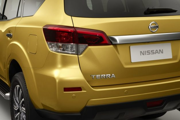 nissan-terra-nissan-rear-back-navara-based-suv-india-pictures-photos-images-snaps-gallery