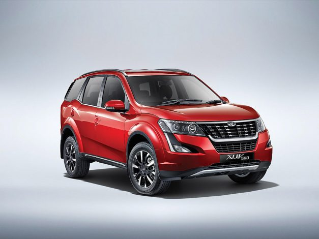 2018-new-mahindra-xuv500-facelift-front-side-pictures-photos-images-snaps-gallery