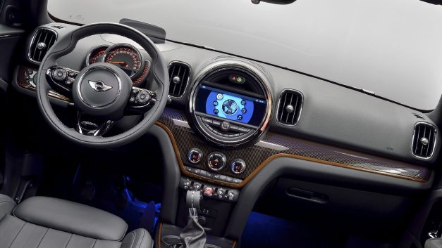 2019-mini-countryman-india-interior-inside