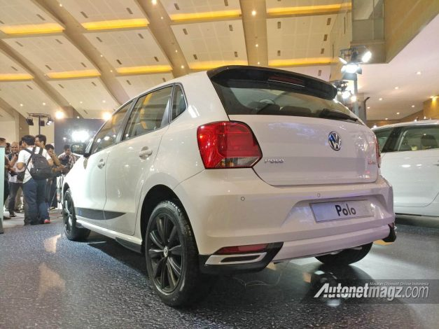 volkswagen-polo-vrs-140-hp-india-rear-back-pictures-photos-images-snaps-gallery